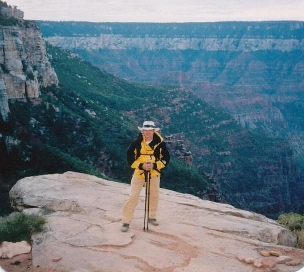 ALAN AT AN OVERLOOK ON THE KAIBAB TRAIL